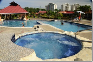 Cheap Condo in Jaco Beach pool- REMAX